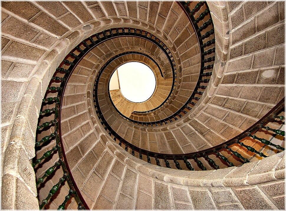 Escaleira tripla de caracol (Compostela)