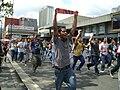 Estudiantes de la UCV llegan a la plza.JPG