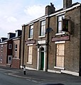 Example of the fast disappearing British pub.This one was called the Robin Hood - panoramio.jpg