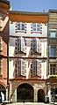 Façade de l'hôtel de Labonne (fin xve siècle) - Rue des changes Toulouse.jpg