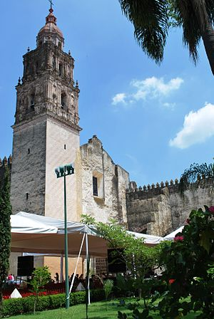 Monasteries on the slopes of Popocatépetl - View of the Cathedral of Cuernavaca