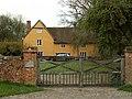 Farmhouse at Swifts Manor Farm - geograph.org.uk - 277624.jpg
