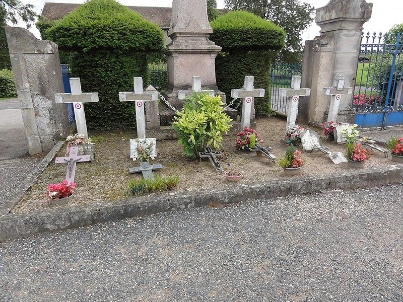 Flin (M-et-M) cimetière, carré militaire