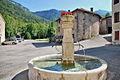 Fontaine de Bouvante le bas.jpg