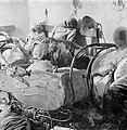 Fotothek df ps 0000047 Eine Mutter über dem Kinderwagen ihrer Zwillinge im Tode.jpg