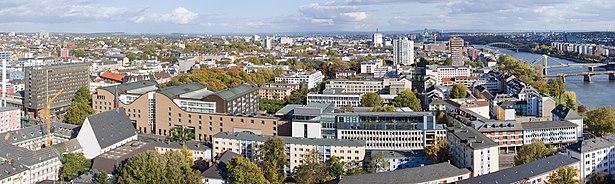 Frankfurt Am Main-Fischerfeldviertel-Ansicht vom Domturm-20101024.jpg