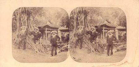 Marineros Franceses en Cantón en 1858. Estereoscopá, Álbum de papel de plata.