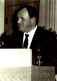 Friedrich Wilhelm Schnitzler 1984 Bundesverdienstkreuz der BRD.jpg