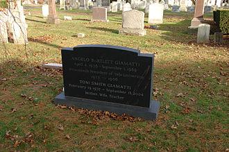A. Bartlett Giamatti - Giamatti's grave in New Haven, Connecticut