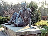 This bronze statue of Archimedes is at the Arc...