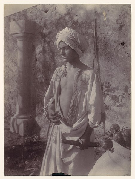 File:Gloeden, Wilhelm von (1856-1931) - n. 0222 - Metropolitan museum.jpg