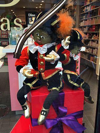 Zwarte Piet - A golden-skinned Piet from the 2015 holiday season