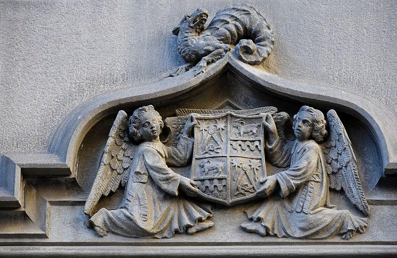 File:Gothic Quarter, Barcelona (45) (30433639934).jpg