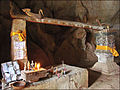 Gouttière dondoiement dans la grotte de Pak Ou (4334668746).jpg
