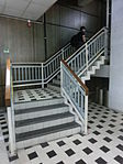 HK YMT KGO Kln Gov Offices KCPO Kln Central Post Office May-2013 地庫 basement 內置樓梯 inside stairs.JPG
