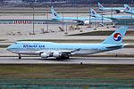 HL7460 - Korean Air Lines - Boeing 747-4B5 - ICN (17251204546).jpg