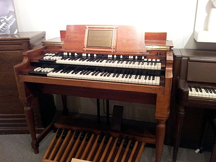 The B-3 was the most popular Hammond organ, produced from 1954 to 1974 Hammond B3, Museum of Making Music (without warning board).jpg