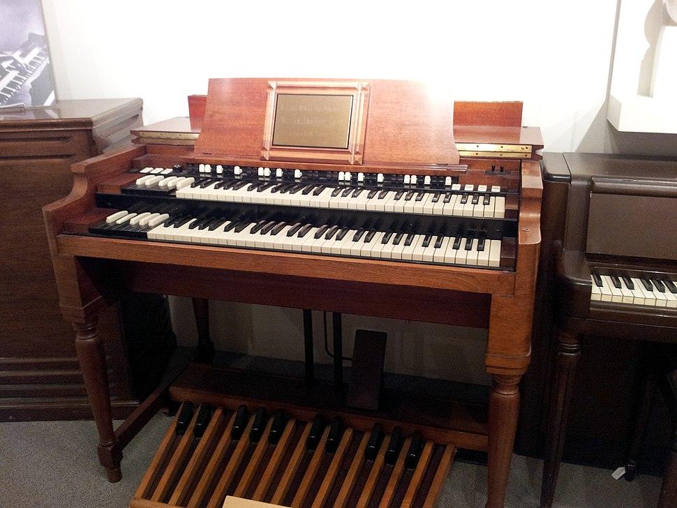 Hammond B3, Museum of Making Music (without warning board)