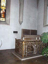 Hochgrab von Bischof Gundekar II. im Eichstätter Dom.jpg