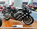 Honda CBR1000RRW 2004 HCH.jpg
