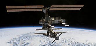 [Obrazek: 330px-ISS_October_2002.jpg]
