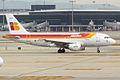 Iberia, EC-KOY, Airbus A319-111 (16269191708).jpg