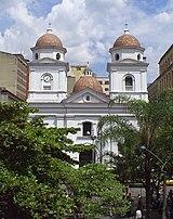 Basílica Menor de Nuestra Señora de la Candelaria, Parque Berrio