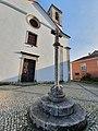 Igreja Paroquial e Cruzeiro Colares.jpg