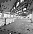 Interieur, koffiefabriek, zesde bouwlaag, overzicht fabrieksruimte met zogenaamde sheddaken - Rotterdam - 20002453 - RCE.jpg