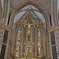 Interieur, koor met kruisbeeld en gebrandschilderde ramen - Sittard - 20331988 - RCE.jpg