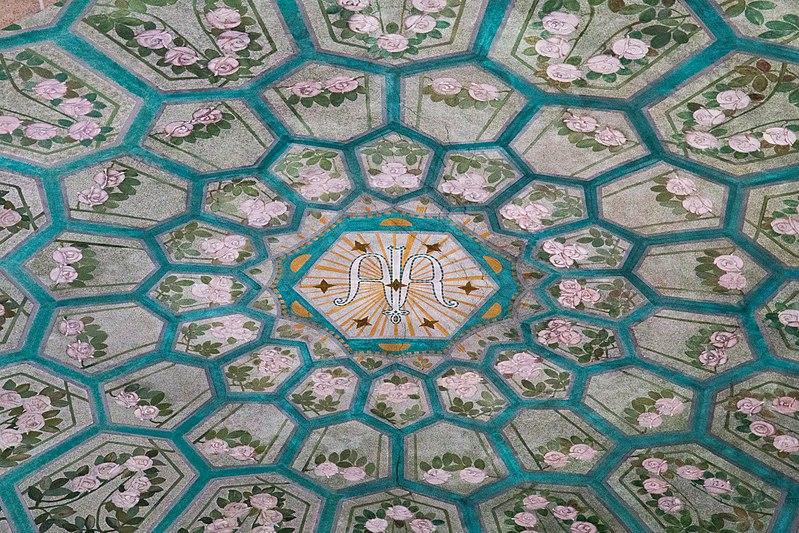 File:Interior of St. Georg (Hockenheim) 15.jpg