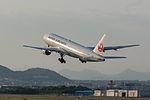 Japan Air Lines, B777-200, JA010D (17351598342).jpg