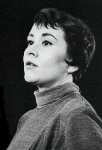 Joan Plowright - Image: Joan Plowright 1960 (cropped)