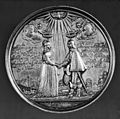 Johann Blum - Marriage Medal of Willem of Orange and Mary of England - Walters 59585.jpg