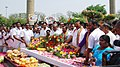 K.H. Muniyappa paying floral tributes at Rajiv Gandhi Memorial, on the occasion of the 21st Anniversary of Martyrdom of the former Prime Minister, Late Shri Rajiv Gandhi, in Sriperumbudur, Tamil Nadu on May 21, 2012.jpg