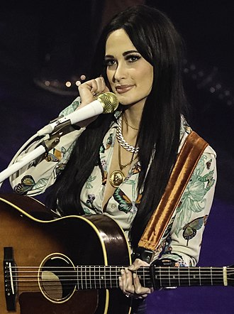 Kacey Musgraves - Kacey Musgraves performing in February 2019