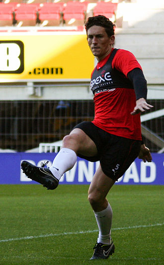 Keith Andrews (footballer) - Andrews warming up for Watford in 2014