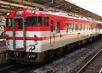 Uetsu Main Line - Image: Kiha 40 587
