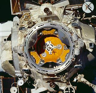Kristall - APAS-89 docking mechanisms on Kristall