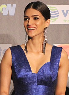 Kriti Sanon at IIFA 2017 (cropped).jpg
