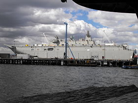 HMAS Canberra im BAE Ausrüstungsdock Williamstown, August 2013