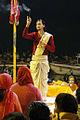 La cérémonie Ganga Aarti (Varanasi) (8471357705).jpg