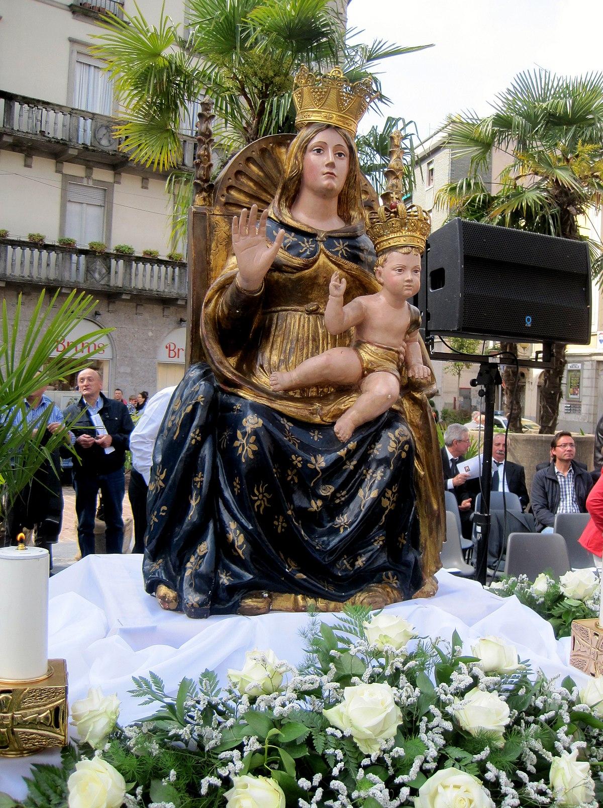 Madonna dell 39 aiuto busto arsizio wikipedia for Le torri arredamento busto arsizio
