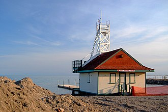 Lifeguard tower - Leuty Lifeguard Station (c. 1920), Toronto, Canada