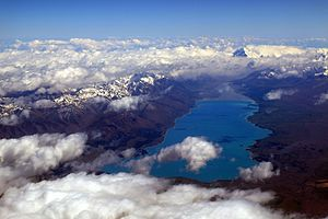 Lake Pukaki - Laki Pukaki with Aoraki / Mount Cook in the distance
