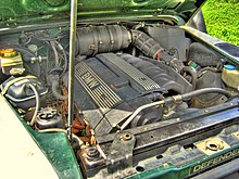 https://upload.wikimedia.org/wikipedia/commons/thumb/2/25/Land_Rover_Defender_2.8i_engine.jpg/220px-Land_Rover_Defender_2.8i_engine.jpg