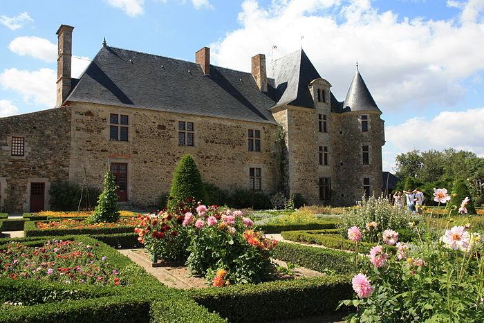 Ch U00e2teau De La Chabotterie   Monument Historique  U00e0 Saint