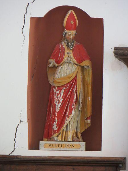 Statue de Saint Leu à gauche de l'autel