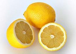 وصفات طبيعية لازالة السواد والتفتيح 250px-Lemon-edit1.jpg