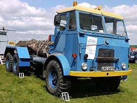 autocarri militari vintage prima e dopo conflitti bellici 280px-Leyland_Hippo_19H-FC_1952_-_Flickr_-_mick_-_Lumix